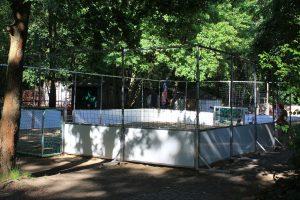Beach-Soccer-Court neben dem j.w.d.