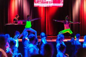 Happy Glow Yoga mit Live-Musik