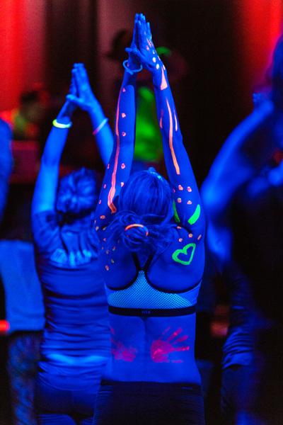 Happy Glow Yoga im Lindenpark