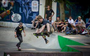 Summer Slam Skateboard-Contest